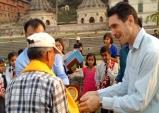 조국 재건을 위해 땀흘리는 '라이즈 네팔' 청년들