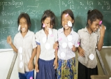 학교가 밝아지니 아이들 얼굴도 밝아지네!